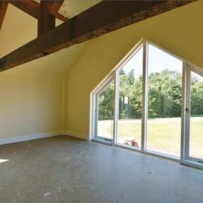 Backhouse-Apex-Window